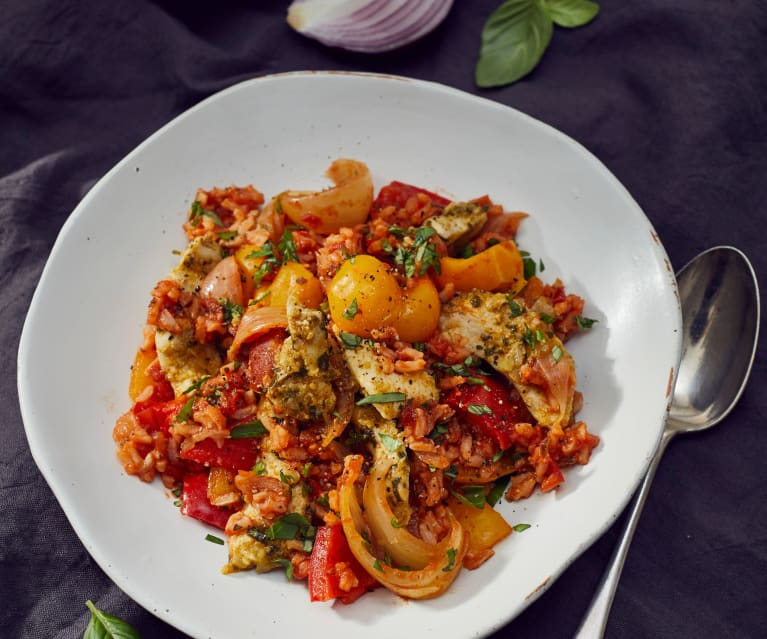 Tomaten-Paprika-Reis mit Zitronen-Basilikum-Hähnchen