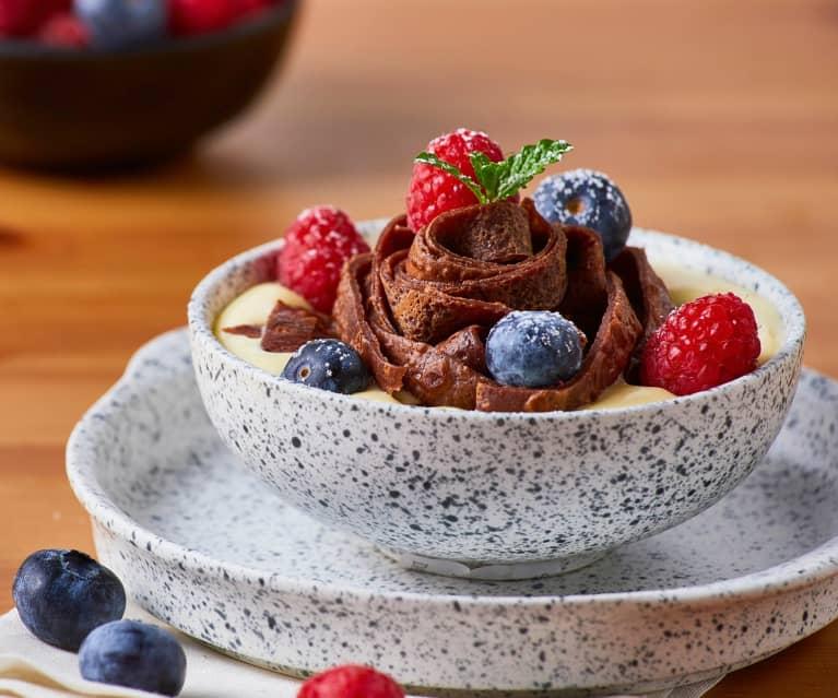 Crema al mascarpone con tagliatelle di crêpes al cacao