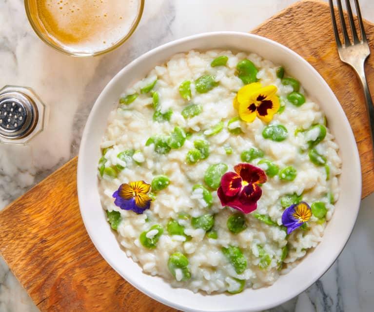 Risotto con fave, primosale, birra e fiori