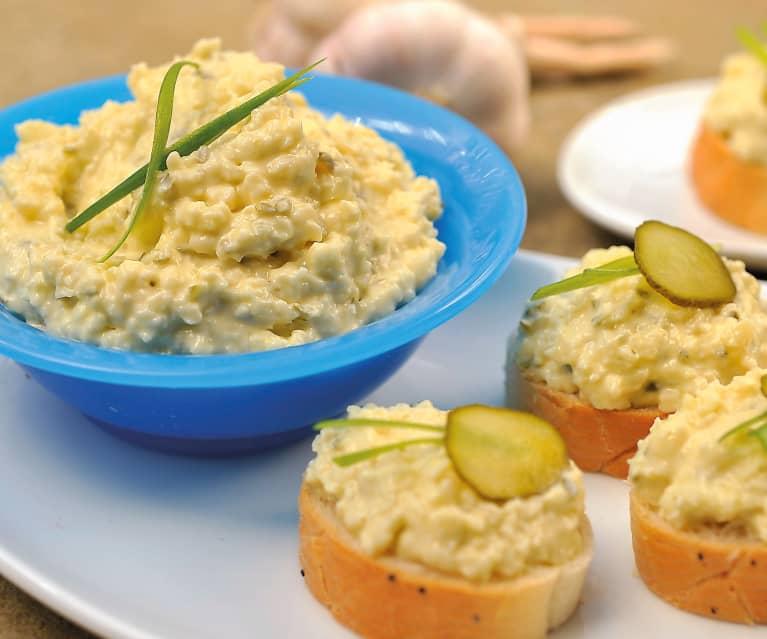 Česnekovo sýrová pomazánka