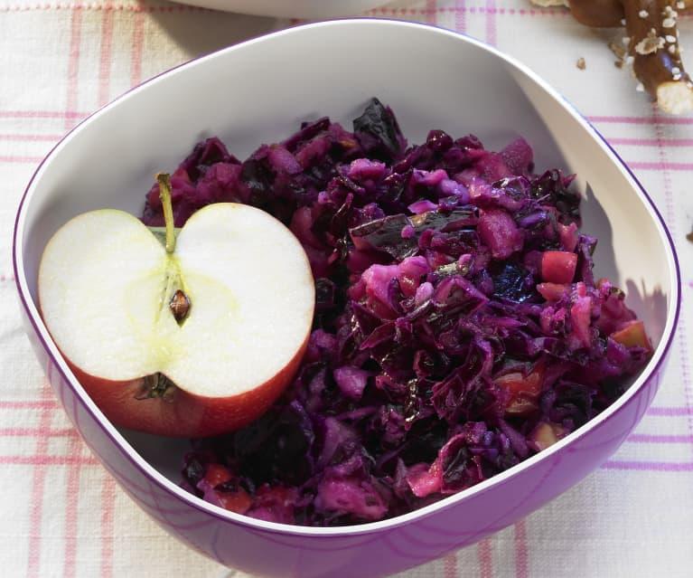 Rotkohlsalat mit Senfgurke