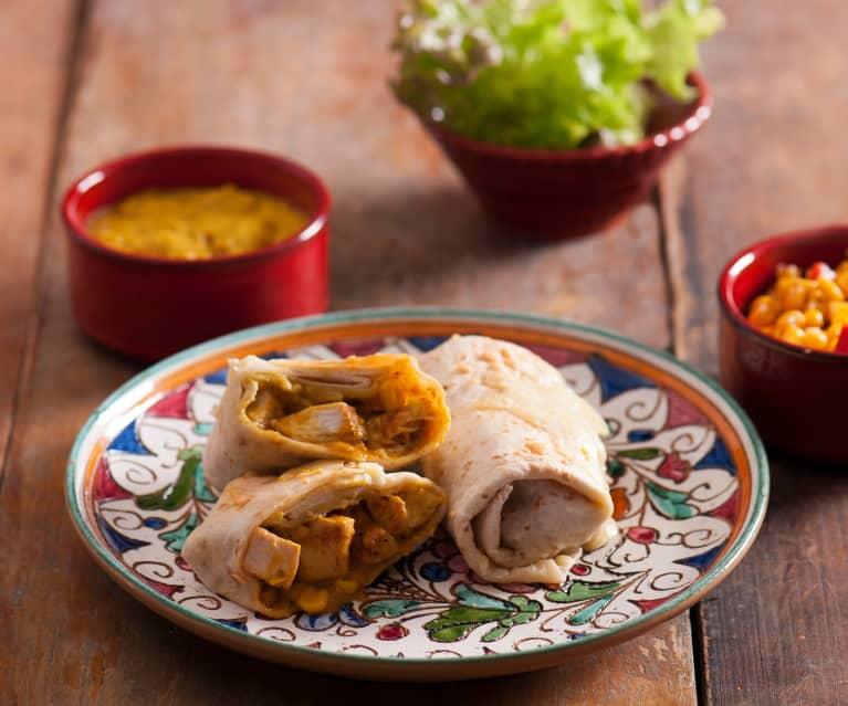 Tortille z kurczakiem i sosem curry