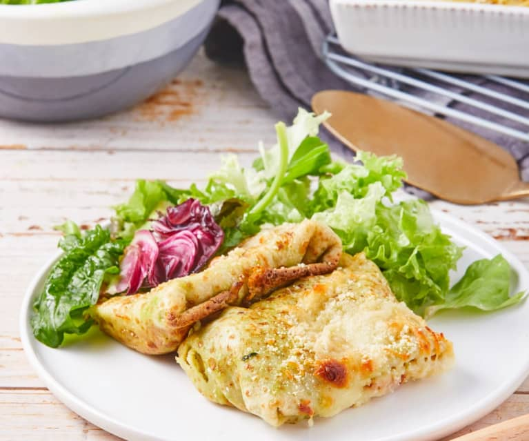 Chicken with Creamed Spinach Crepes