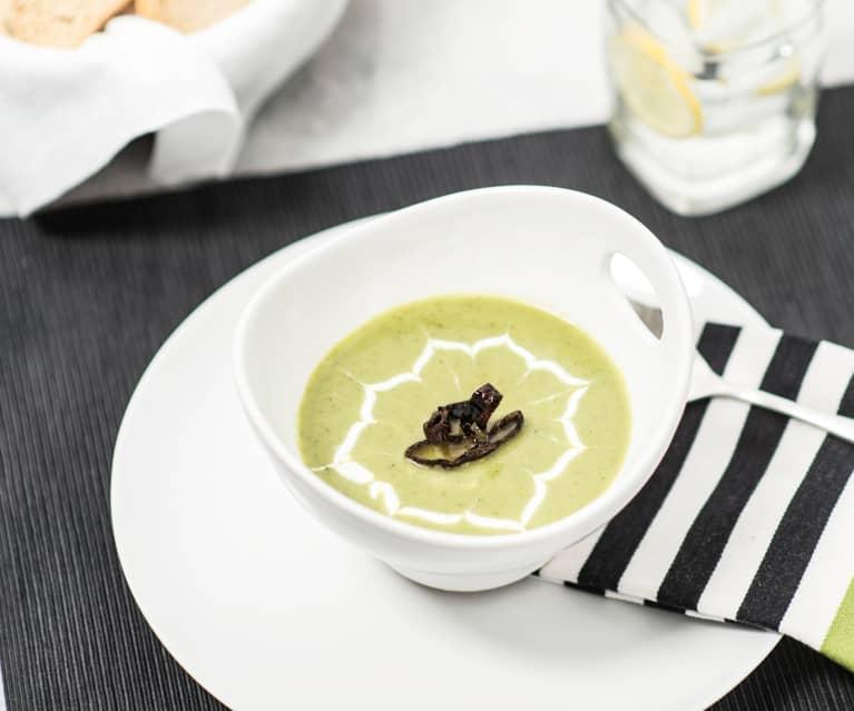 Crema de calabacita, cilantro y chile