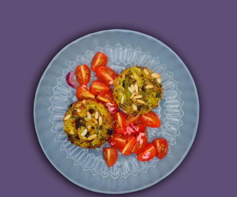 Gemüse-Muffins mit Tomatensalat