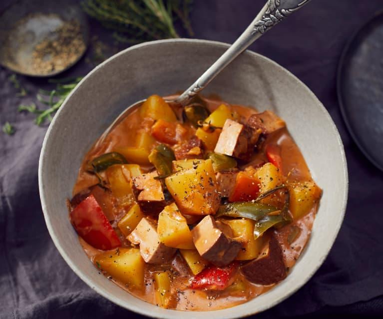 Scharfer Kartoffel-Paprika-Topf mit Räuchertofu