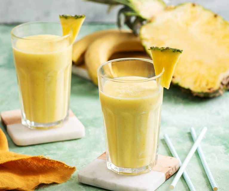 Smoothie bananowo-ananasowe z napojem kokosowym