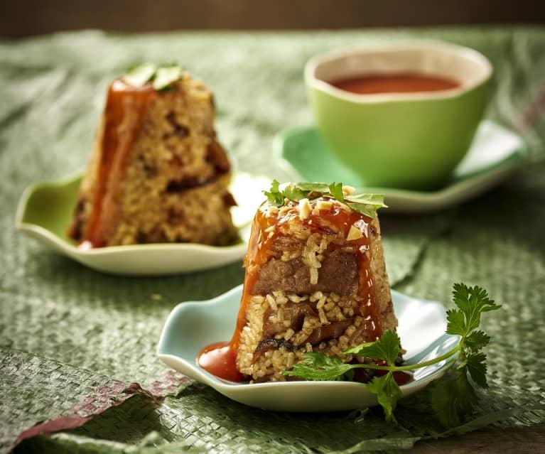 Carne de porc cu orez glutinos, la aburi (Budinci de orez)