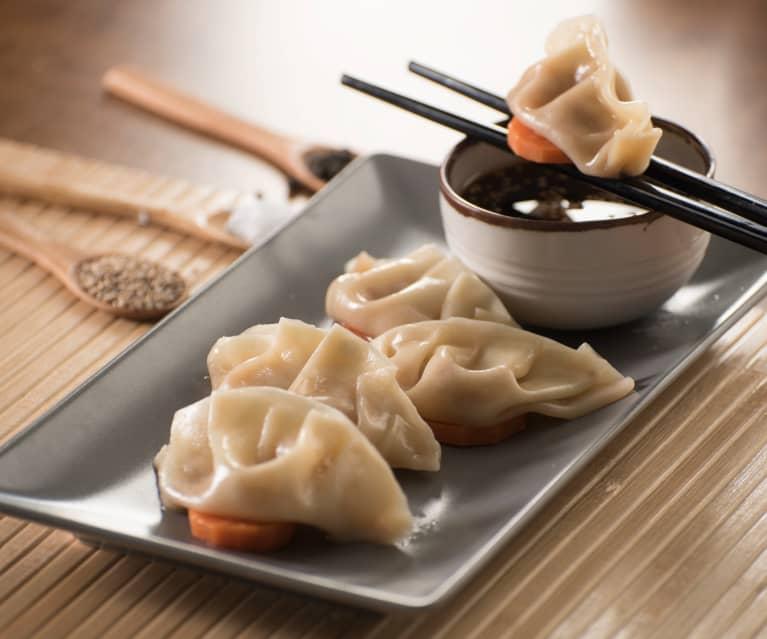 Prawn dumplings (xia jiao)