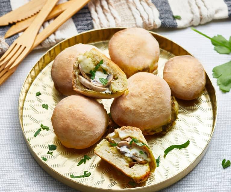 Rolls de mozzarella à l'ail et aux champignons