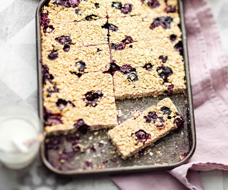 Baby-friendly Blueberry Oatmeal Fingers