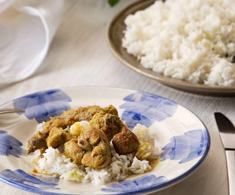 Conejo al curry con manzana