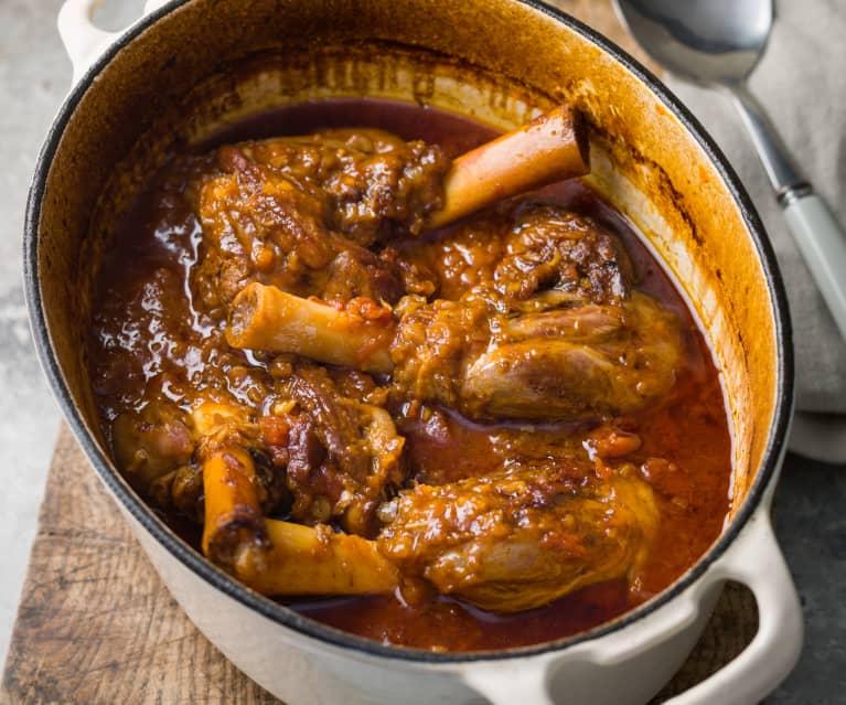 Braised Lamb Shanks with Roasted Garlic and Parmesan Mash - Stinco d'agnello con purè di patate all'aglio e parmigiano