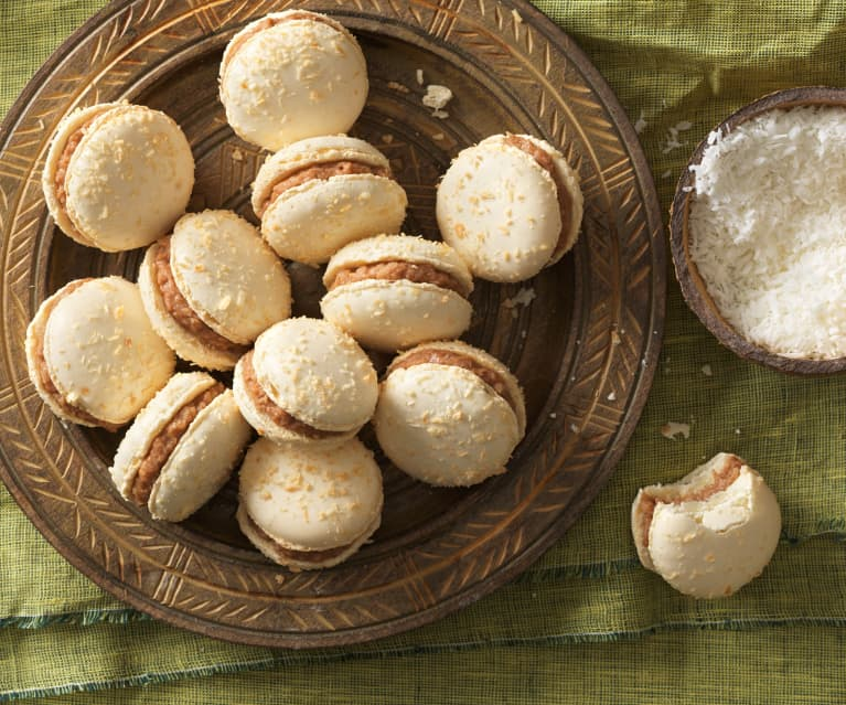 Kokos-Macarons mit Kokos-Ganache