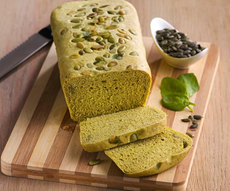 Pan de molde con espinacas y pipas de calabaza
