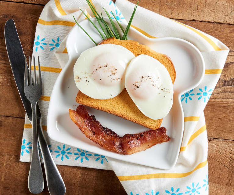 Steamed Sunny Side Up Eggs