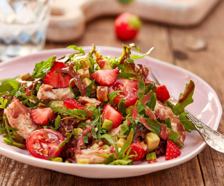 Erdbeer-Avocado-Salat mit Hähnchen