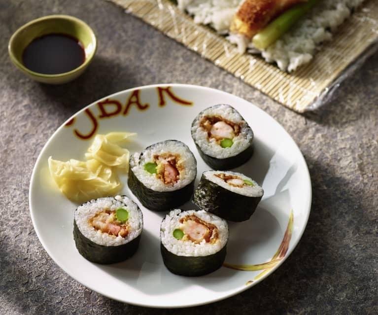 Sushi-Rolle mit warmen Knuspergambas