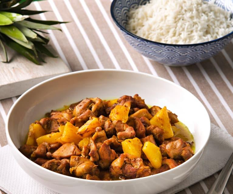 Pollo con piña al curry en papillote