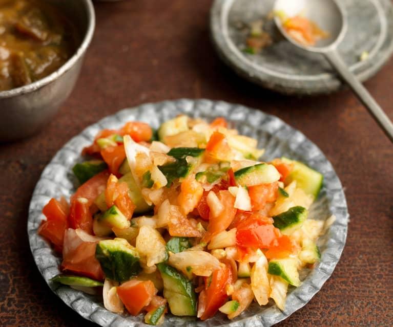 Kachumber (Zwiebel-Tomaten-Gurken-Salat)