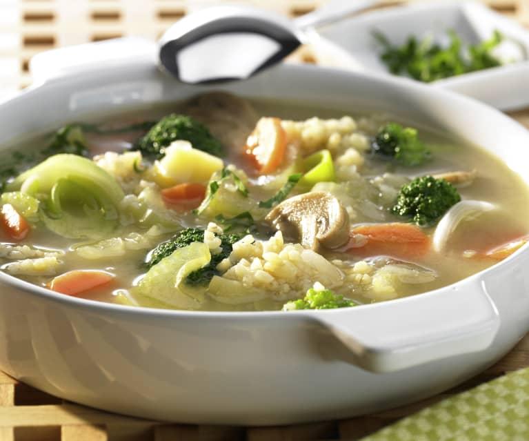 Gemüsesuppe mit Bulgur