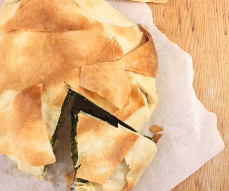 Empanada griega de espinacas (spanakopita)