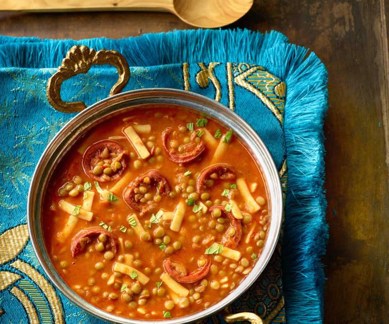 Linsen-Nudel-Suppe mit Sucuk - Sucuklu Sakala Çarpan Çorbası