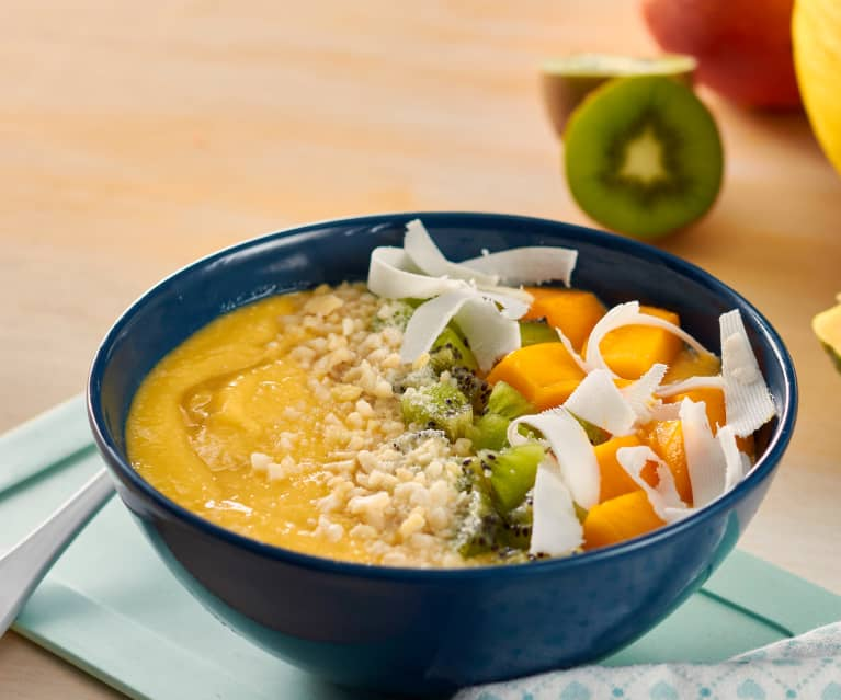 Smoothie bowl de melón, papaya y mango