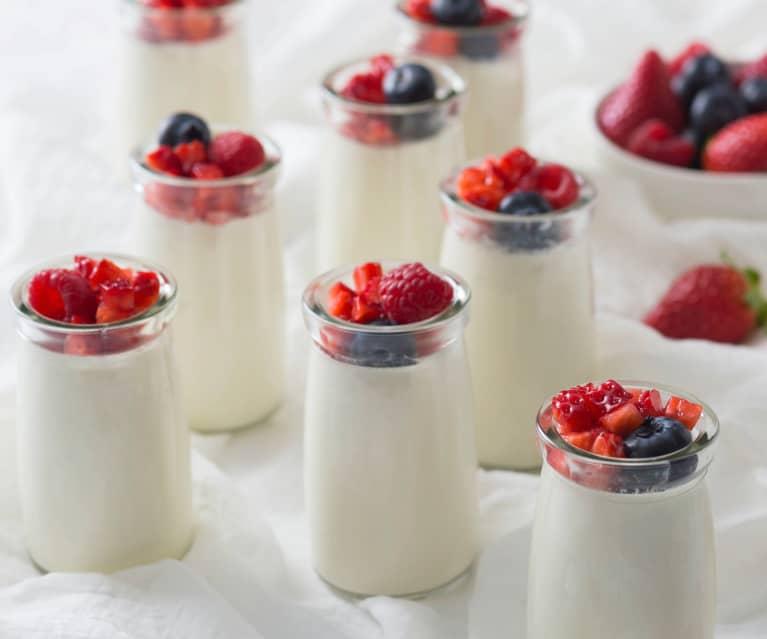 Creamy vanilla yoghurt