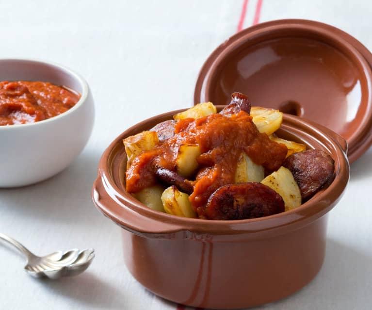 Patatas Bravas mit Chorizo