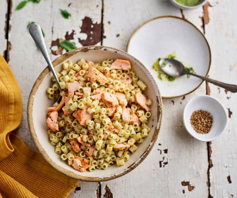 Massa com salmão e azeite de hortelã