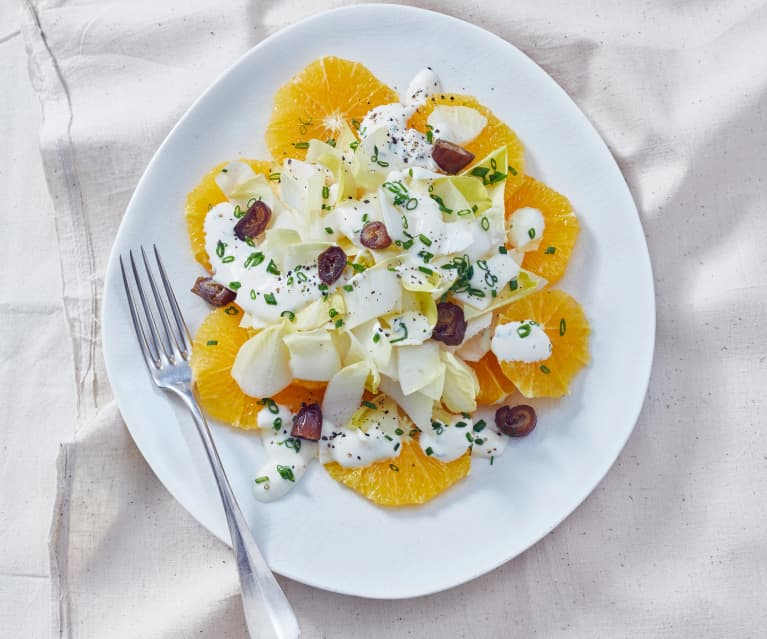 Chicoréesalat mit Orangen und Joghurt-Schnittlauchdressing