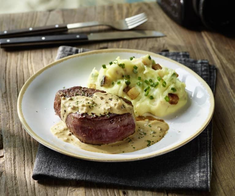 Filetsteak mit Pfeffersauce und Knusper-Kartoffel-Püree