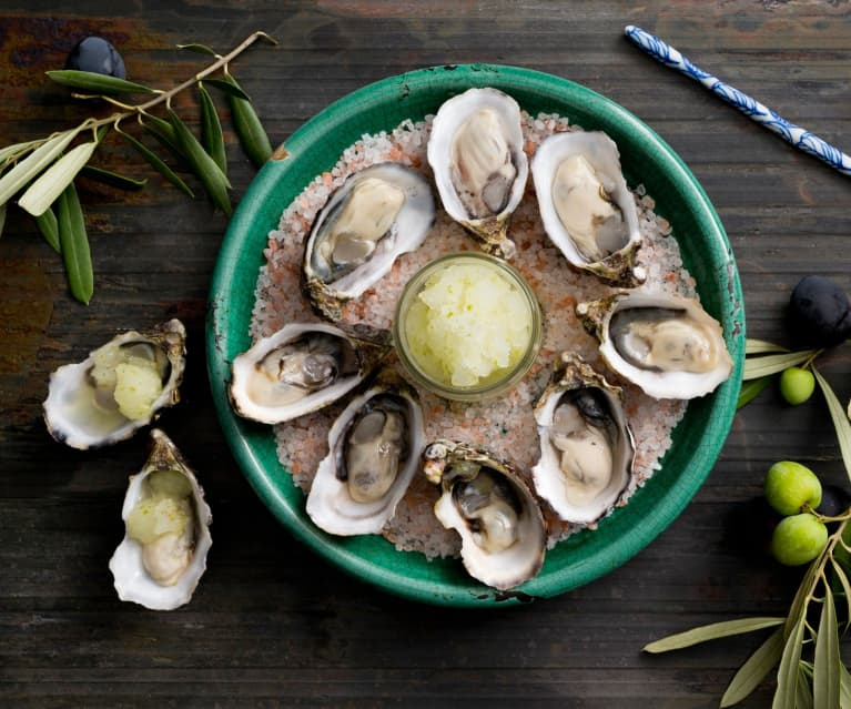 Oysters with lime granita
