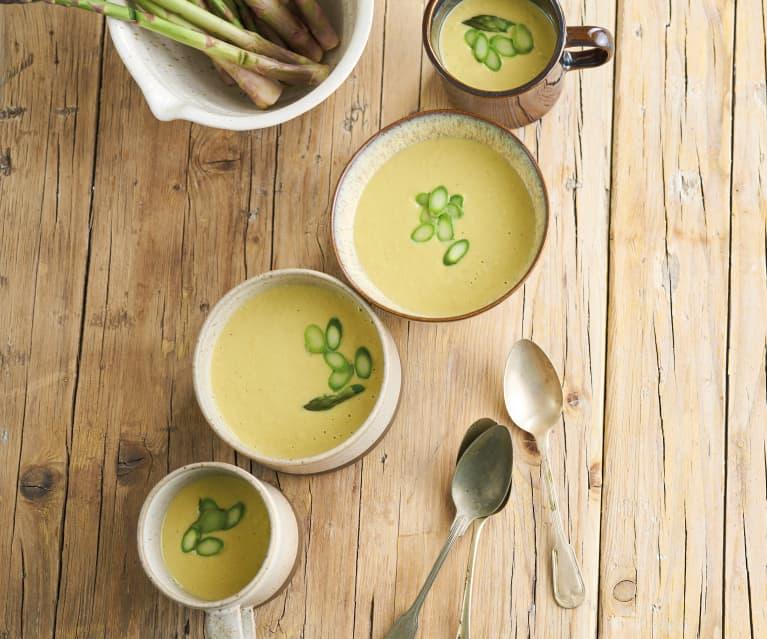 Sopa fria de milho e espargos laminados