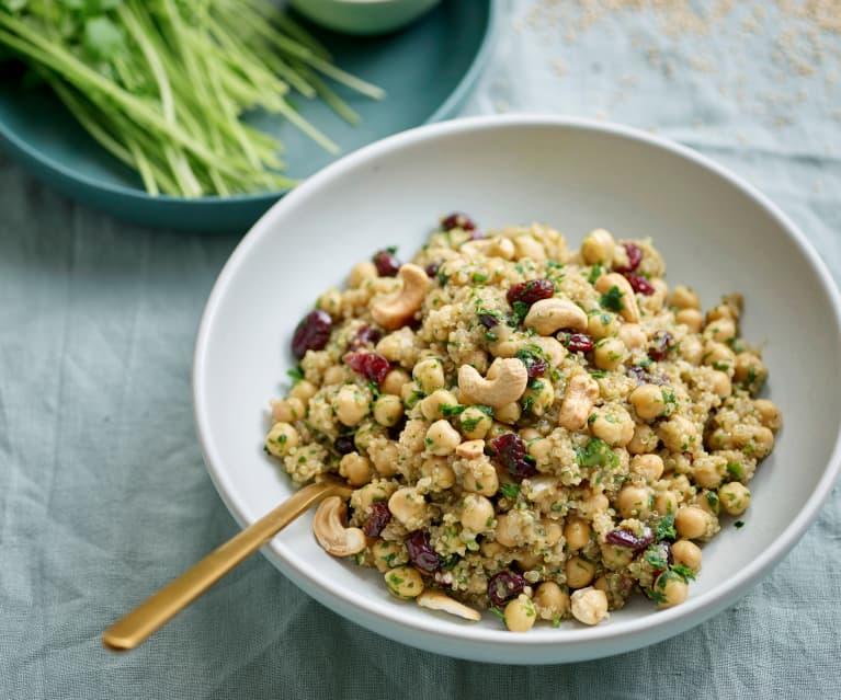 Salada de quinoa, grão e caju