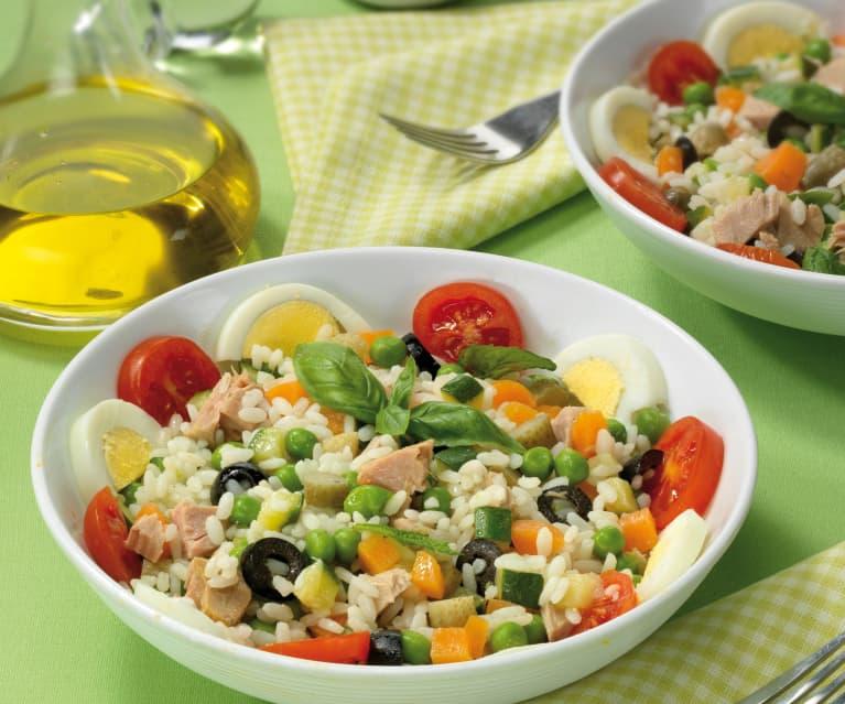 Insalata di riso con zucchine e menta