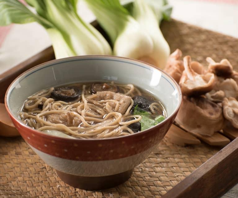 Sopa de setas shiitake, pak choi y fideos - China