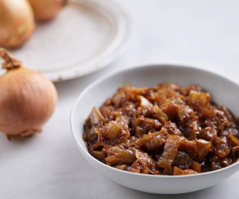 Caraméliser 400-500 g d'oignons