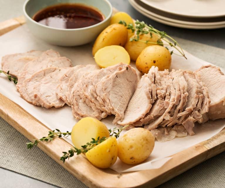 Lomo de cerdo a la sal con salsa de tomillo al pimentón