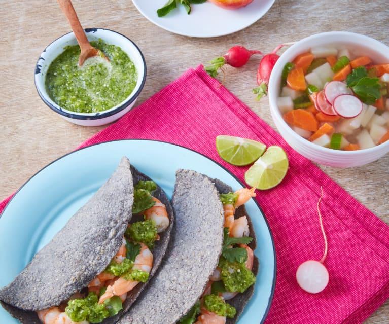 Sopa de verduras, tacos de camarón y duraznos al vapor