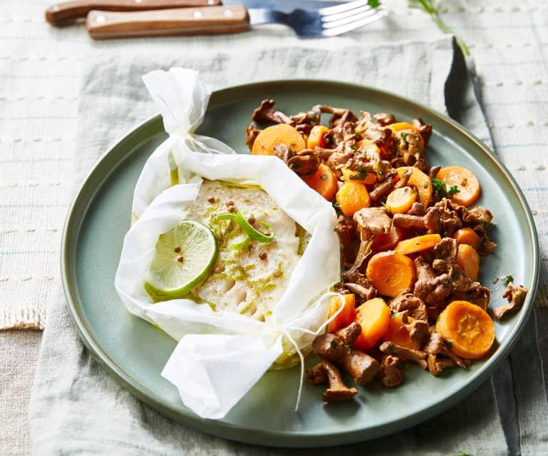 Poisson vapeur, poêlée de chanterelles et carottes au beurre persillé