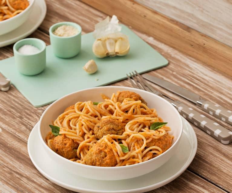 Espaguetis con albóndigas de avena y zanahoria