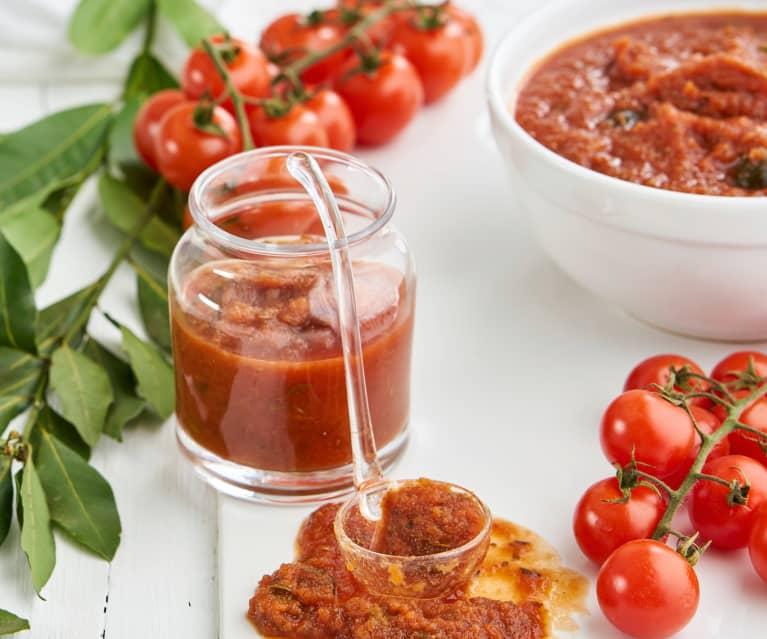 Molho de tomate com azeitonas e alcaparras