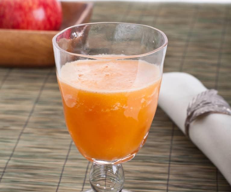Smoothie z jabłek i marchewki z miodem i cytryną