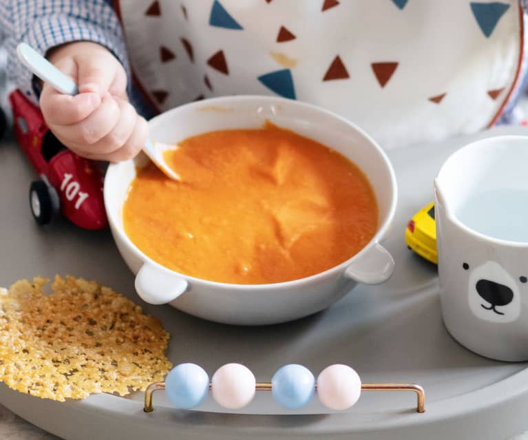 Soupe à la tomate, tuiles de fromage