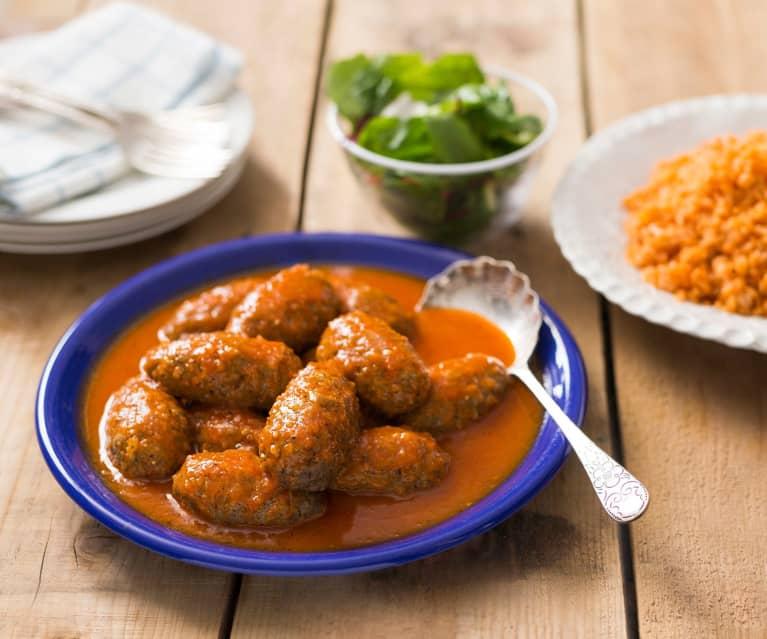 Albóndigas con arroz de tomate (Soutzoukakia)
