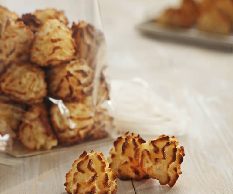 Coconut Macaroons Cookidoo The Official Thermomix Recipe Platform