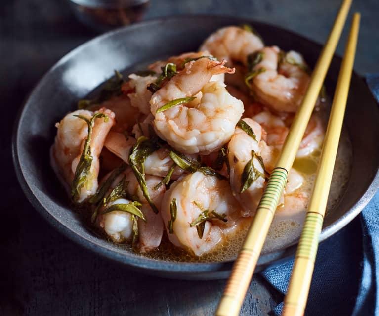 Garnelen mit grünem Tee (龙井虾)