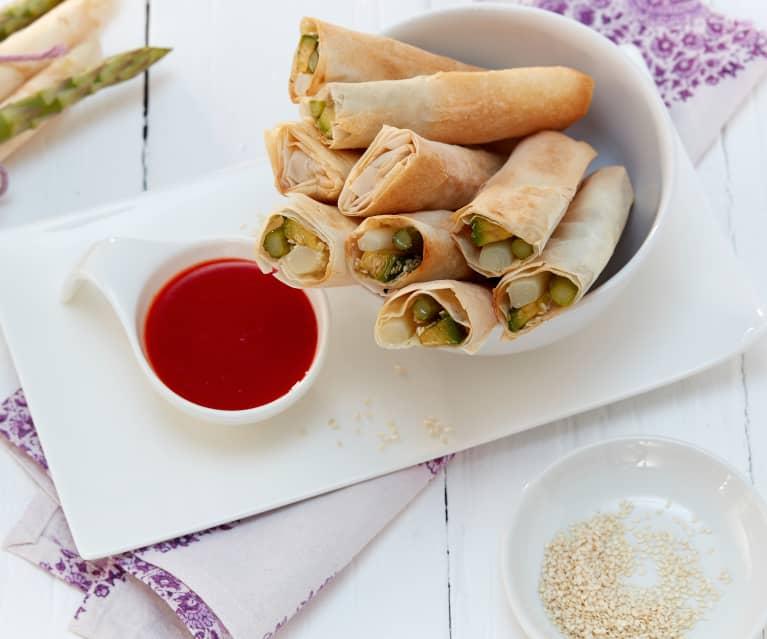 Knusprige Spargelröllchen mit Asia-Sauce